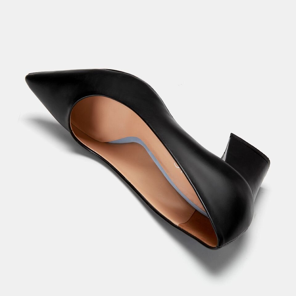 resm  Siyah Kadın Kalın Topuk