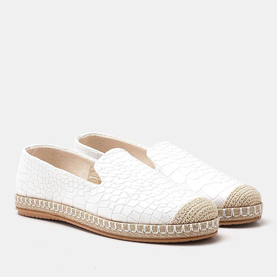 resm  Beyaz Yaya Günlük Ayakkabı