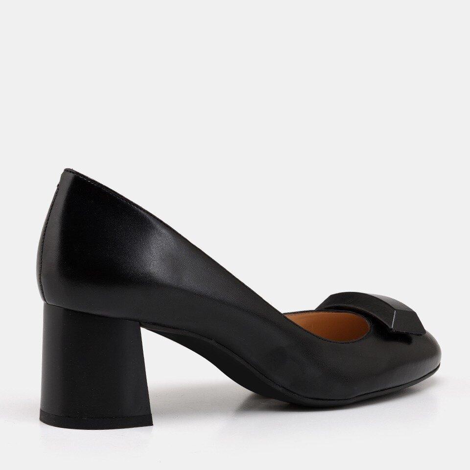 resm  Siyah Kadın Stiletto