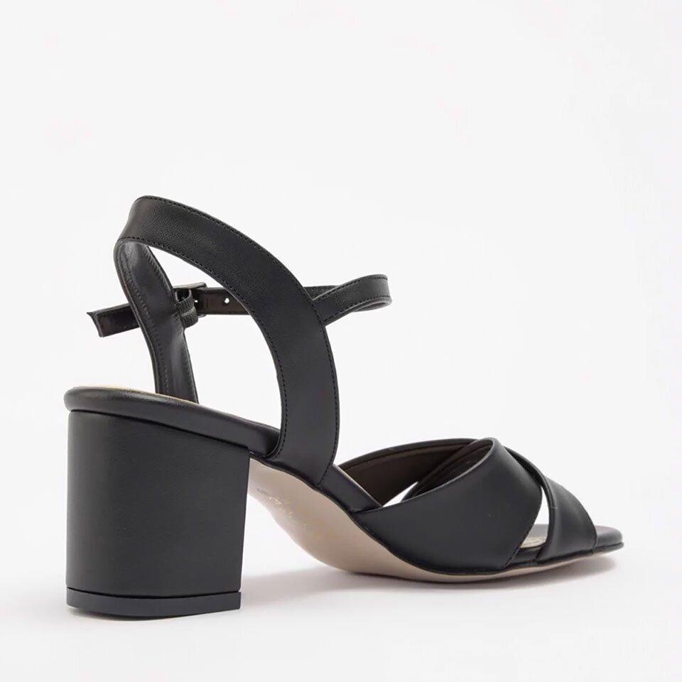 resm Yaya Siyah Kadın Sandalet