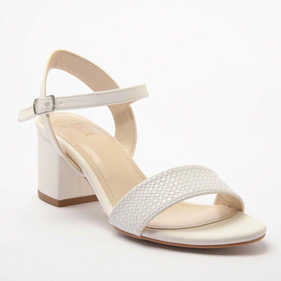 resm Yaya Beyaz Sandalet