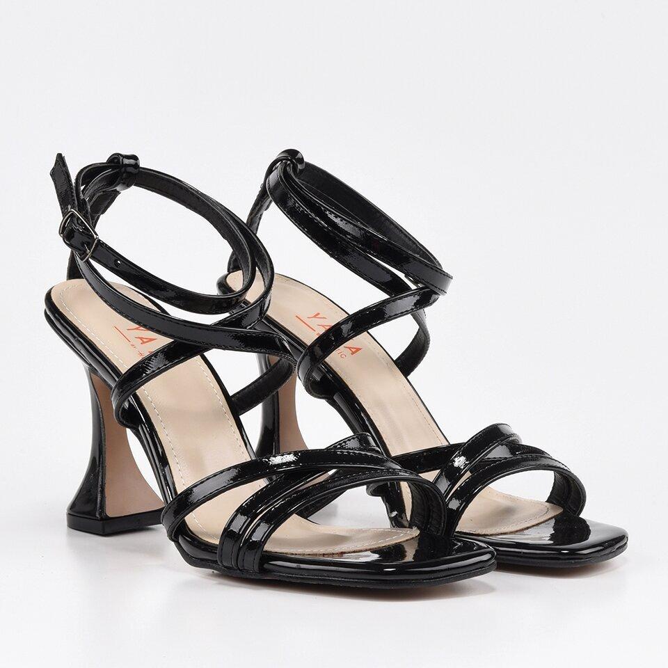 resm Siyah Kadın Sandalet