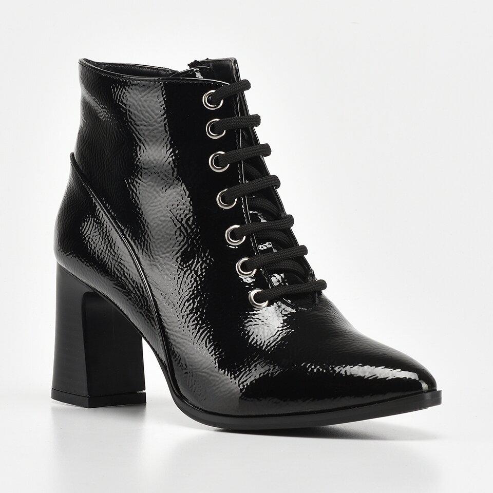 resm Siyah Yaya Kadın Bot&Çizme