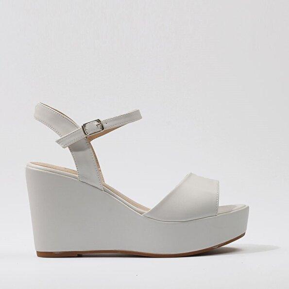 Resim  Beyaz Yaya Sandalet