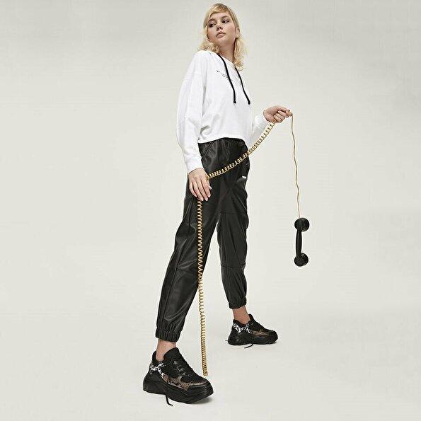Resim  Siyah Yaya Spor Ayakkabı