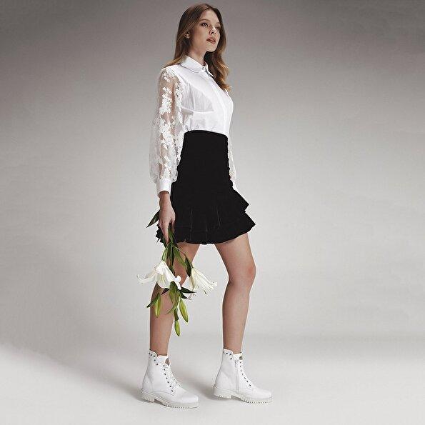 Resim  Beyaz Kadın Düz Bot