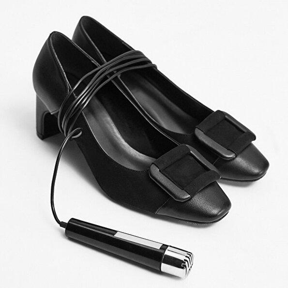 Resim  Siyah Yaya Topuklu Ayakkabı