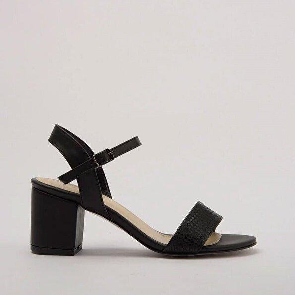 Resim Yaya Siyah Kadın Sandalet