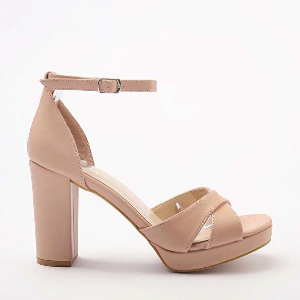 Resim Yaya Pembe Kadın Sandalet