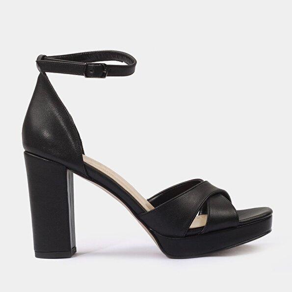 Resim Yaya Siyah Sandalet