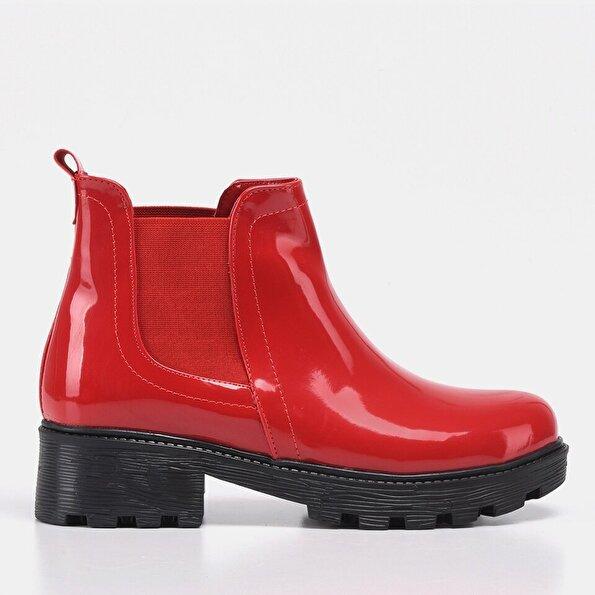 Resim Kırmızı Yaya Kadın Bot&Çizme