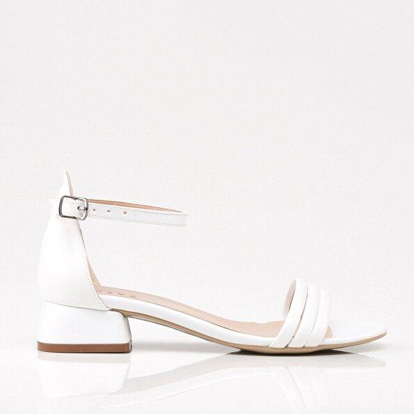 Resim Beyaz Yaya Kadın Sandalet & Terlik